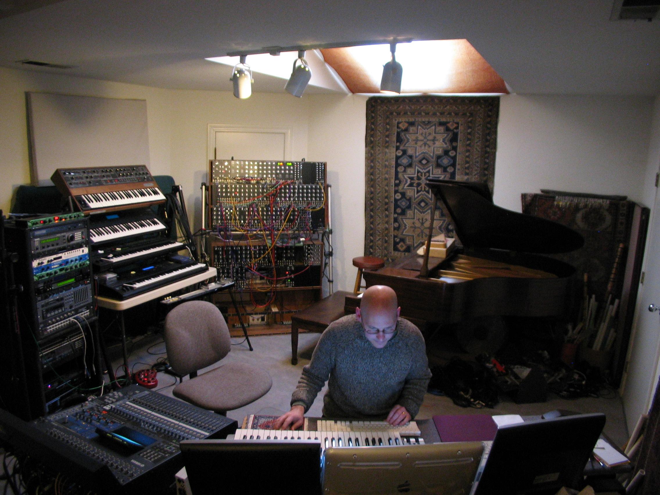 Robert Rich in Studio