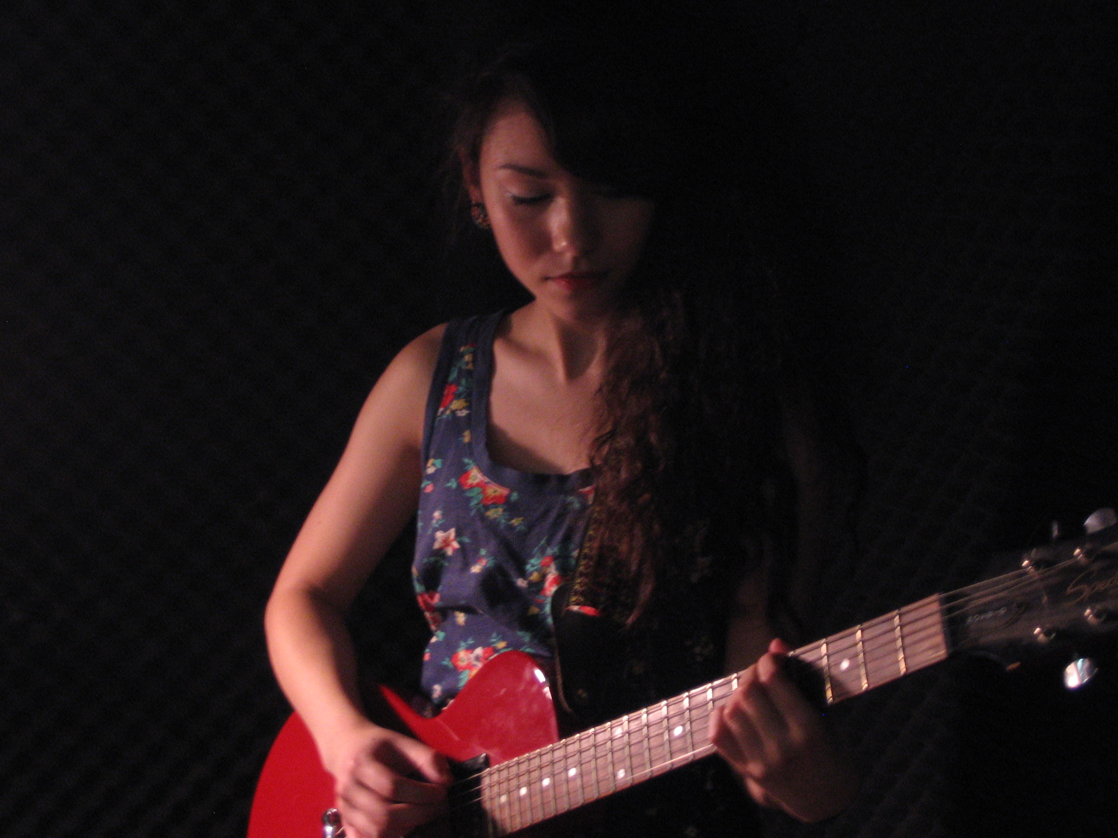Mree: The Girl with the Red Guitar - Live on Echoes
