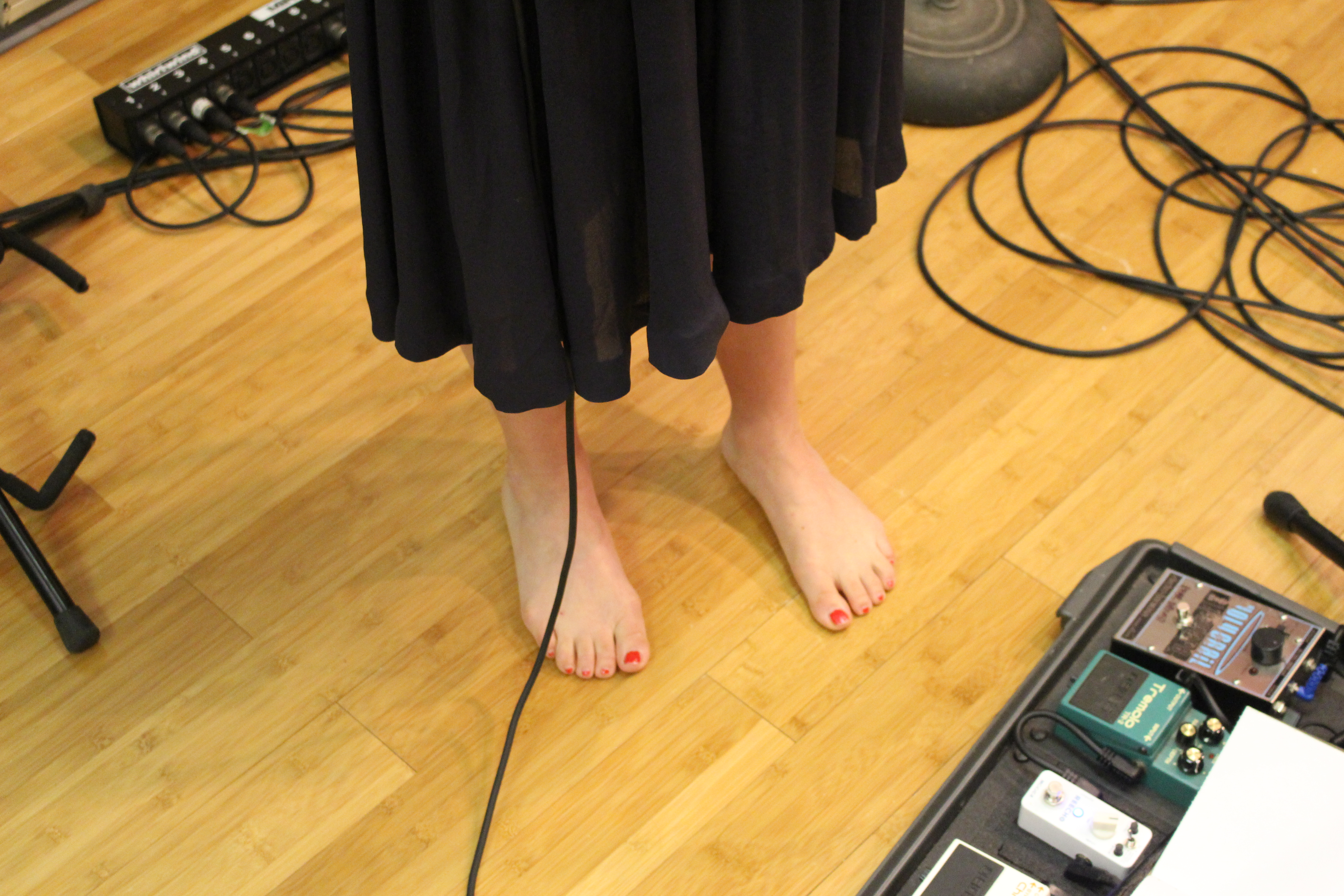 Lyla Foy's Feet on Echoes