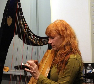 Loreena McKennitt, performing Live On Echoes – Echoes