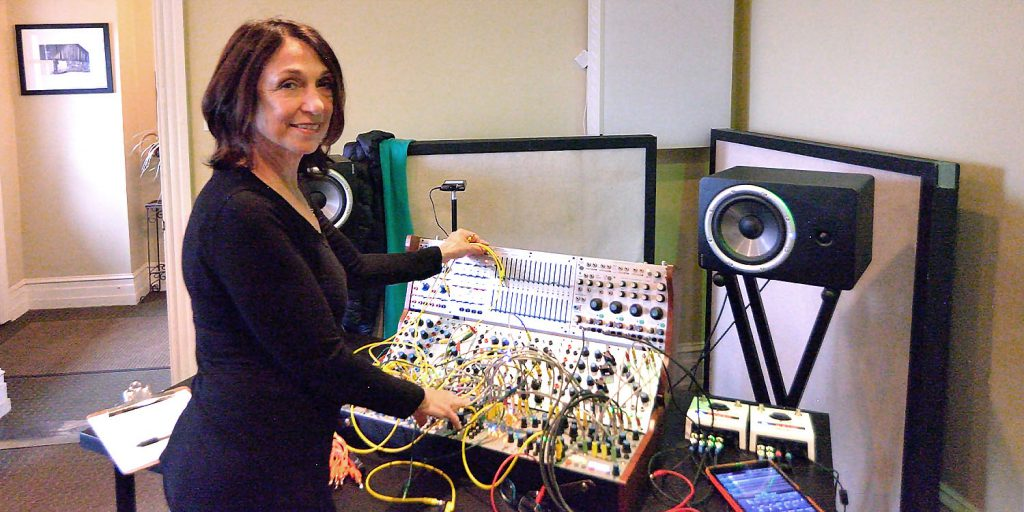 Suzanne Ciani at Buchla Synthesizer on Echoes