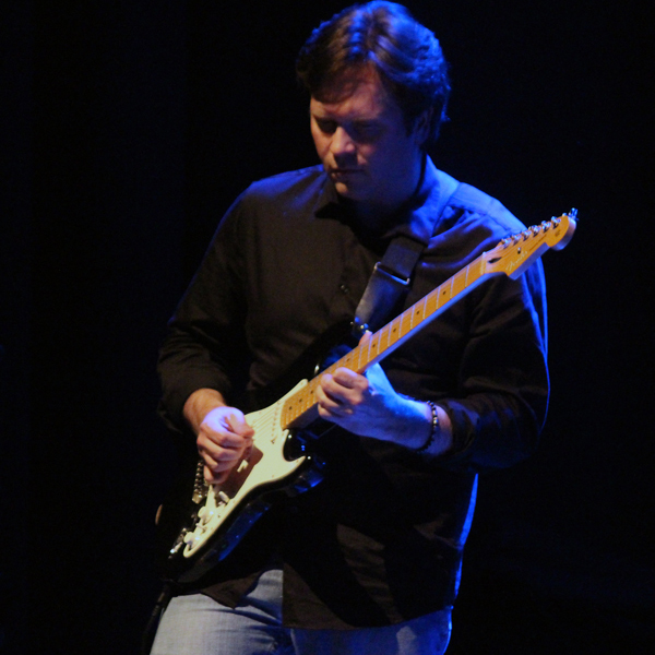Jeff Pearce Playing Guitar